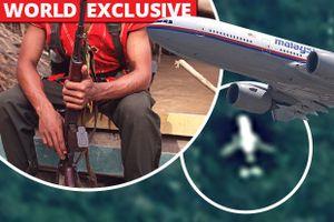 Nguy hiểm chết người rình rập khi chuyên gia Anh bắt đầu tìm kiếm MH370 trong rừng rậm Campuchia