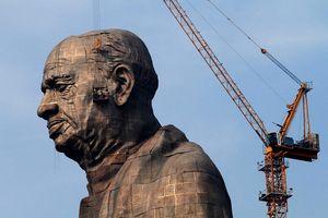 Bức tượng cao nhất thế giới, lễ hội Ấn Độ vào top ảnh tuần