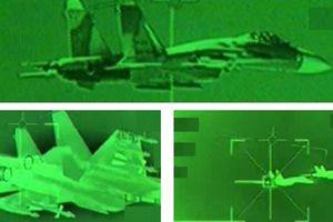 Su-27 mang đầy vũ khí bị chặn tại Biển Đen