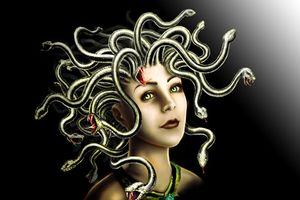 Huyền thoại nữ thần tóc rắn đoạt mạng người trong tích tắc