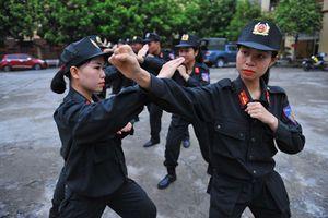 Hình ảnh đẹp trong tập luyện của các nữ chiến sĩ CSCĐ Việt Nam