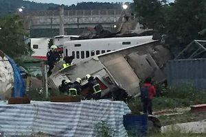Thảm khốc hiện trường tai nạn tàu hỏa ở Đài Loan