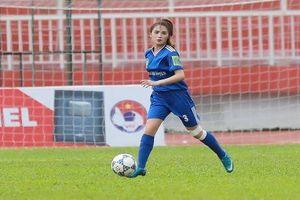 Nữ cầu thủ 20 tuổi Thái Nguyên xinh đẹp hết phần người khác