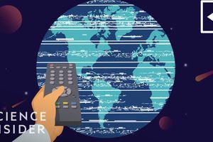 Chuyện gì sẽ xảy ra nếu trái đất quay theo chiều ngược lại?