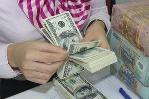 CNY giảm giá, tăng nguy cơ hàng Trung Quốc giá rẻ tràn vào Việt Nam?