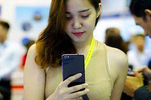 Xuất nhập khẩu điện thoại đều giảm mạnh trong nửa đầu tháng 10