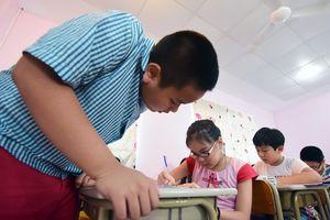 Học tiếng Anh sai phương pháp, trẻ như cây tre bị uốn cong