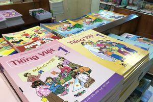 Bộ GD&ĐT tổ chức biên soạn, kiểm duyệt sách giáo khoa khác thế giới