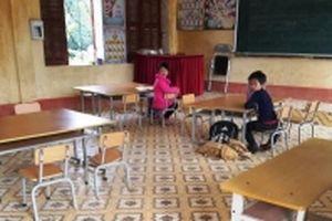 Hàng loạt học sinh ở Bắc Cạn nghỉ học vì mùi lạ