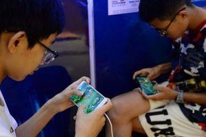 Điện thoại smartphone đang hủy hoại trẻ em nông thôn Trung Quốc