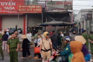 2 cô gái chết ngạt trong cửa hàng hoa bị thiêu rụi