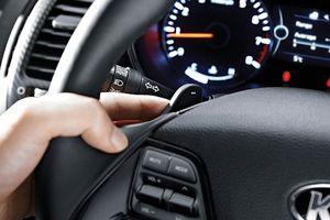 8 công dụng 'không ngờ' của lẫy chuyển số trên ô tô