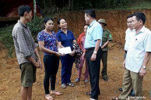 Hỗ trợ 20 triệu đồng cho gia đình bị cháy nhà ở Quỳ Hợp