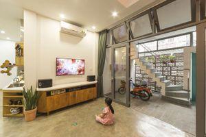 Ngôi nhà vừa để ở vừa cho thuê đẹp khó tin của gia đình trẻ ở Việt Nam khiến báo Mỹ thán phục