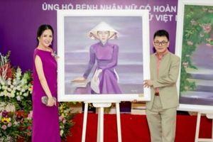 Hai bức tranh vẽ hoa hậu Đinh Hiền Anh xuất hiện tại triển lãm được đấu giá 160 triệu