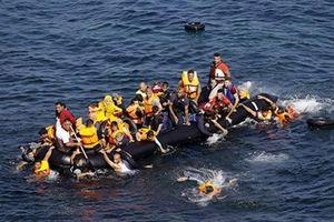 Đắm tàu ngoài khơi Thổ Nhĩ Kỳ, 2 trẻ em di cư thiệt mạng