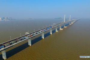 Toàn cảnh siêu cầu vượt biển dài nhất thế giới của Trung Quốc