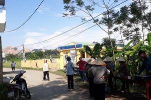 Hàng xóm nói về vụ gã đàn ông sát hại mẹ, khống chế con trai