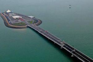 'Vạn lý trường thành' trên biển: Siêu cầu Trung Quốc tái hiện một kiệt tác thế giới