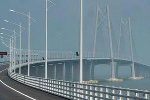 Trung Quốc thông xe cây cầu vượt biển dài nhất thế giới trị giá 20 tỷ USD