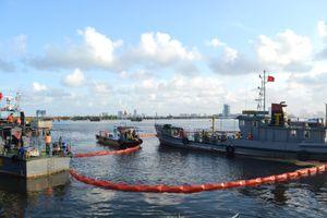 Tập huấn và thực hành ứng phó sự cố tràn dầu trên biển