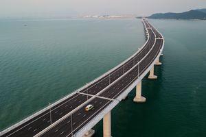 Khánh thành cầu xuyên biển dài nhất thế giới