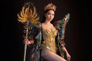 Trang phục dân tộc nặng 20kg của đại diện Việt Nam tại 'Miss Tourism Queen Worldwide'