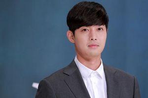 Tài tử Kim Hyun Joong bị từ chối gặp con trai ba năm qua