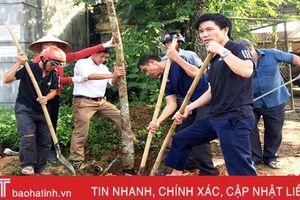 Thị trấn Hương Khê trồng 500 cây lát hoa dọc tuyến đường trung tâm