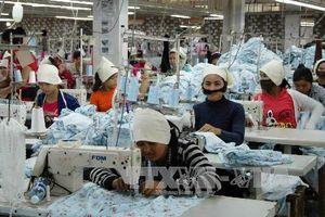 Ngành dệt may Campuchia 'sốt vó' vì EU hủy bỏ ưu đãi thương mại