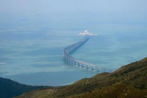 Trung Quốc khánh thành cầu vượt biển trị giá 20 tỷ USD