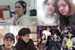 Ảnh 'hot' 23/10: Tạo hình 16 tuổi của 'hoàng hậu' Jang Nara, Han Hyo Joo đăng ảnh Han Ji Min bị đánh bầm rậm