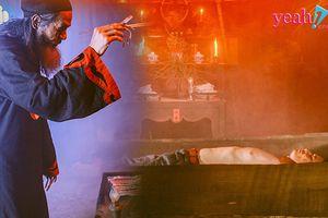 Chứng kiến tận mắt nghi lễ hiến tế để trở nên bất tử lạ lùng và đầy ma quái nhất trong 'Người bất tử'