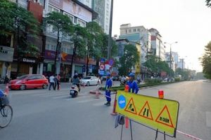 Rào đường Kim Mã thi công ga đường sắt, phương tiện đi thế nào?
