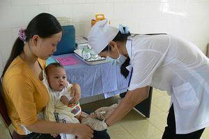 Tiêm bổ sung vaccine Sởi-Rubella cho trên 4,2 triệu trẻ em vùng dịch