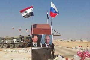Nhiều dân thường rời Idlib qua ngã tư Abu Duhur