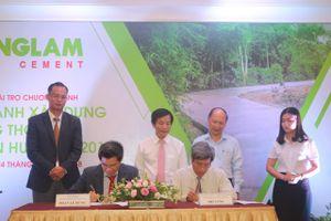 Thừa Thiên - Huế: Doanh nghiệp tài trợ 2.100 tấn xi măng xây dựng NTM