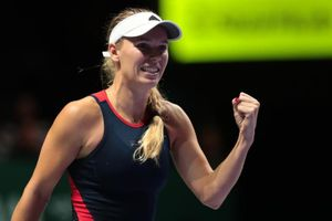 Wozniacki thắng trận quyết đấu với Kvitova tại WTA Finals