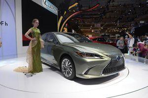 Lexus ES 2019 ra mắt tại VN - đối thủ của BMW 5-Series và Audi A6