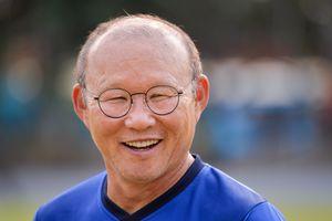 Park Hang-seo nổi trội giữa dàn huấn luyện viên ở bảng A AFF Cup