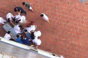 Hoảng hồn bệnh nhân bất ngờ nhảy từ tầng 6 tòa nhà bệnh viện xuống đất