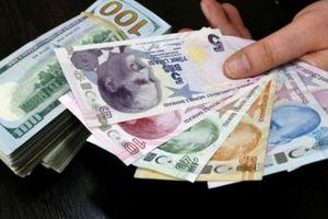 Đổi 100 USD bị phạt 90 triệu: Ai đẩy người dân ra thị trường chợ đen?