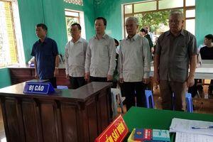 Phạt tù nhóm cán bộ 'xẻ thịt' đất quốc phòng