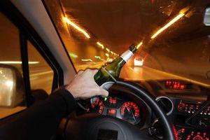 Ngồi tù, mất chức vì lái xe khi say rượu