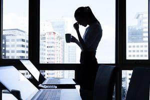 Vượt áp lực công việc: Bí quyết không chỉ thể thao hay shopping