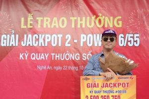 Xổ số Vietlott: Khách hàng Nghệ An để lộ mặt hoàn toàn khi nhận giải thưởng 2,5 tỷ