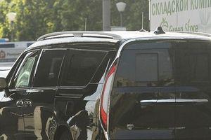 Minivan bọc thép vừa xuất hiện trong đoàn xe tổng thống Nga Putin