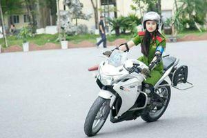 Sự khổ luyện của cô gái lái môtô hơn 1.000 phân khối dẫn đoàn cảnh sát