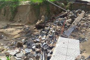 Đà Nẵng: Tiến hành treo van lật cửa xả nước thải