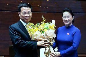 Ông Nguyễn Mạnh Hùng chính thức được bầu làm Bộ trưởng Bộ TT&TT